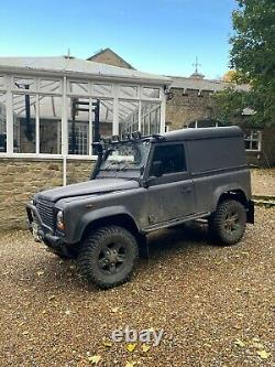 Land Rover Defender 90 4x4 Off Road