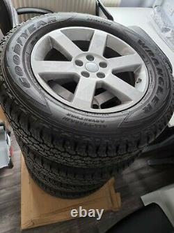 4 X Geniune Défendeur 2021 L664 Allocutions Avec Rouverture De Terres De Tyres De Route