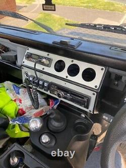 Land Rover Defender 90 Plateau Arrière Hors Route Défi Camion
