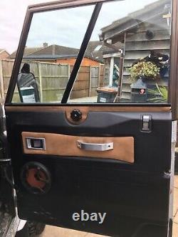 Land Rover Defender Avant De La Porte Latérale