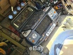 Landrover V8 Hybride Découverte De Défenseur Hors Roader 12 Mois Mot