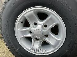 Véritable Land Rover Defender Rechange Boost Alliage Roue Pneu 235 85 R16 Nouveau Décollage