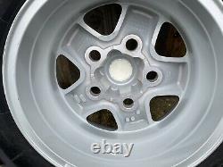 Véritable Land Rover Defender Spare Boost Alloy Wheel Tyre 235 85 R16 Nouveau Décollage